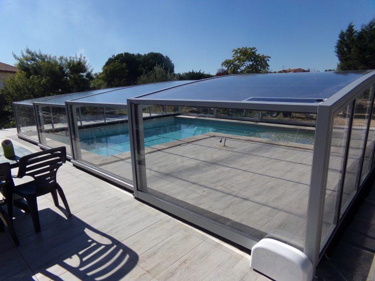 abri piscine haut coulissant gris clair