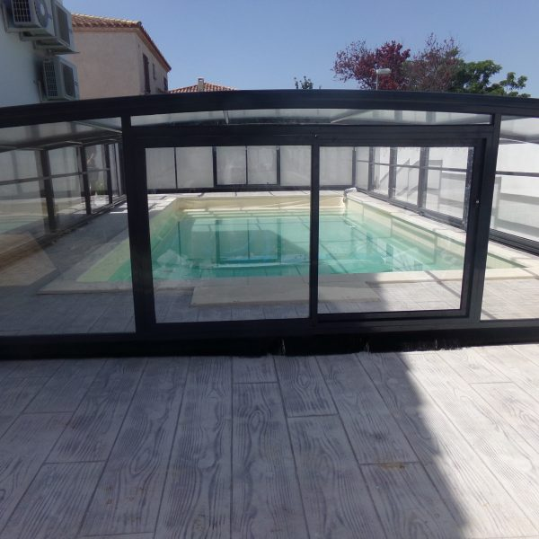 abri piscine medium coulissant gris