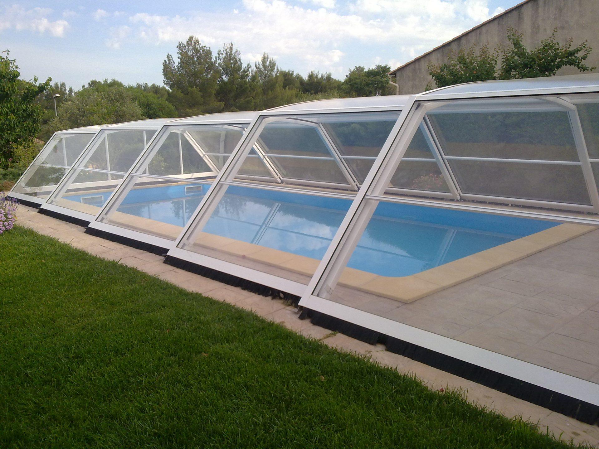 Abri piscine medium for Abris piscine coulissant sans rail