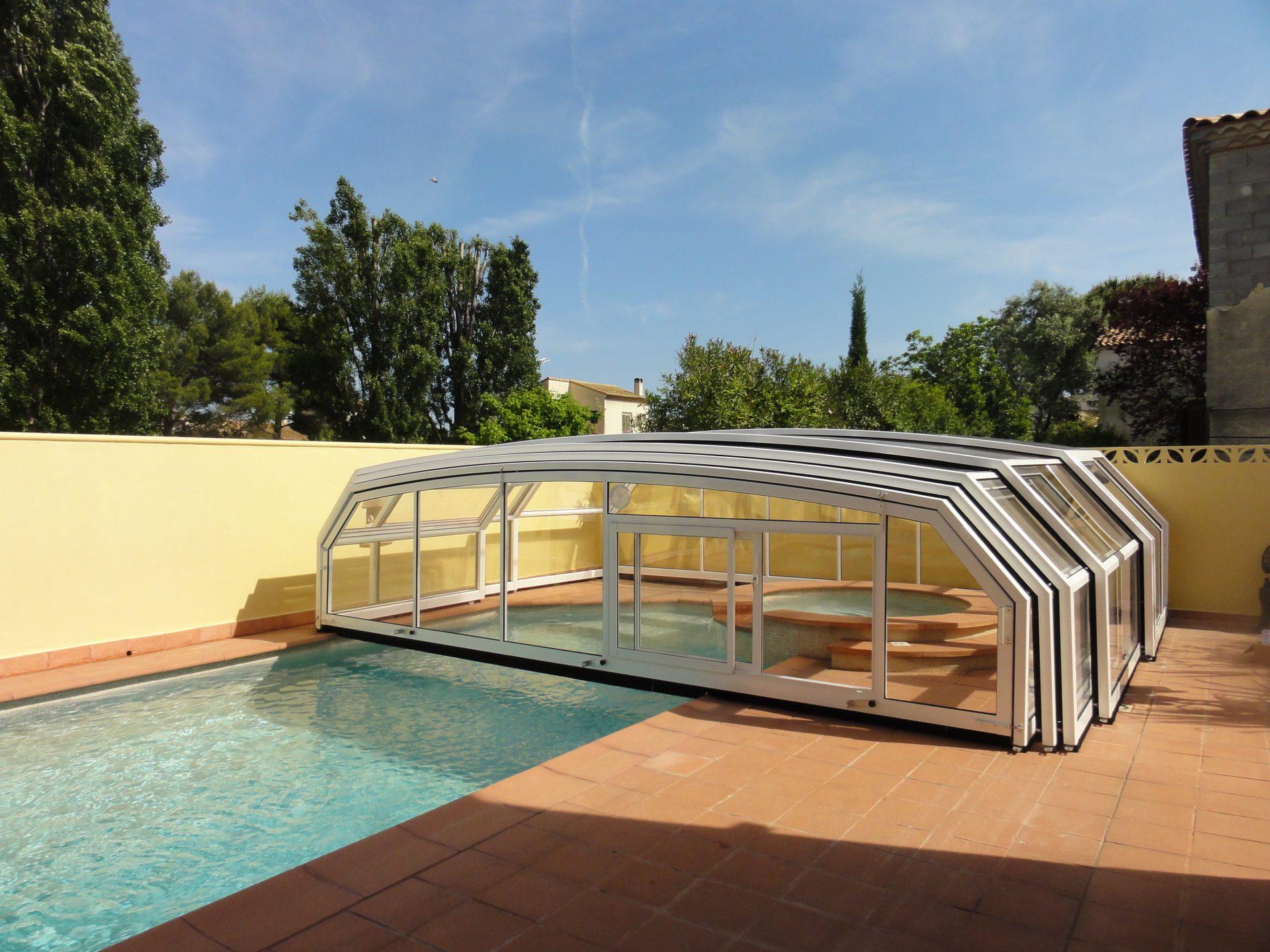 abri piscine haut coulissant sans rail abri piscine paris. Black Bedroom Furniture Sets. Home Design Ideas