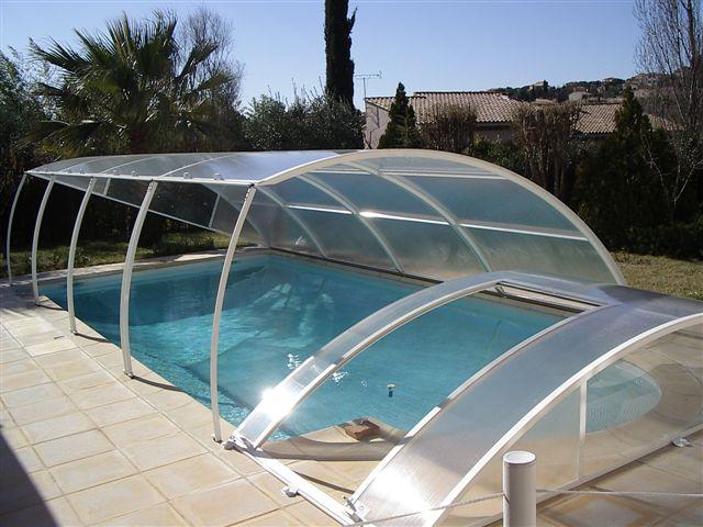 abri piscine plat relevable blanc