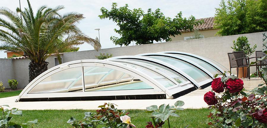 motorisation solaire d un abri en vente chez nous abri piscine. Black Bedroom Furniture Sets. Home Design Ideas