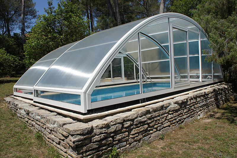 Abri piscine plat motorise prix le havre 2337 instress for Abri piscine prix