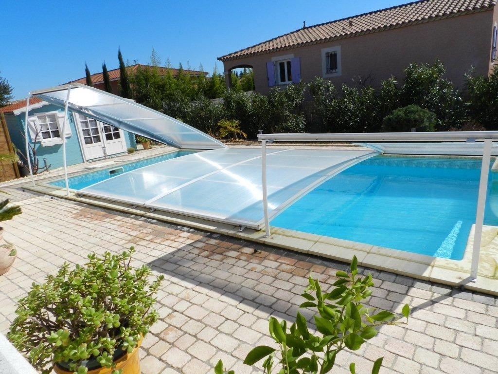 Avantages des abris de piscine s curit conomies design for Nettoyage piscine verte