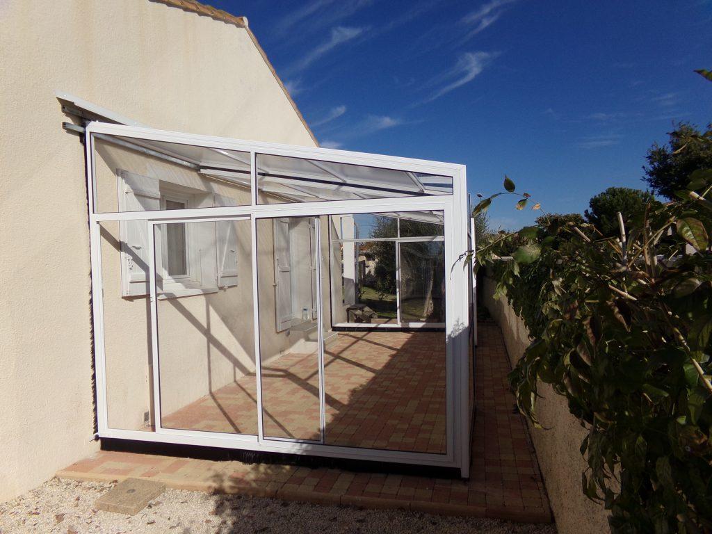 abri terrasse blanc