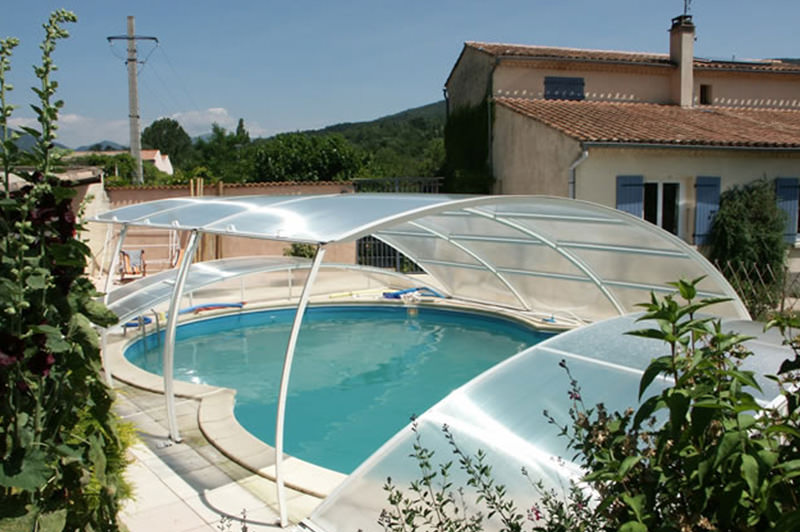 Abris de piscine sur mesure for Protection platre piscine