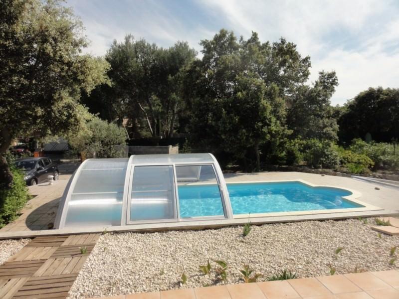 avantages des abris de piscine s curit conomies design. Black Bedroom Furniture Sets. Home Design Ideas